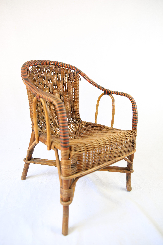 fauteuil enfant en rotin sombre zwickyfactory. Black Bedroom Furniture Sets. Home Design Ideas